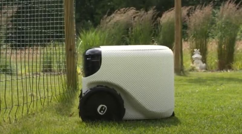 Fully self-driving lawn robot from Toadi
