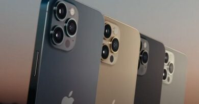 What's the reactions about by Apple's 4 new iPhones ?