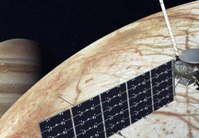 SpaceX wins NASA contract for Europa Clipper mission